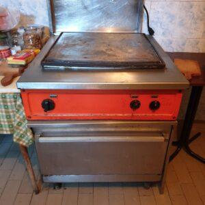 IGO roštilj sa rernom na struju