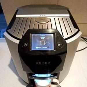 """KRUPS"" CAFFE APARAT, Kapacitet posude 1.7 l, priprema dosta vrsta kafe, odlican"