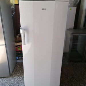 """AEG ""GERMANY, 200 litara, No Frost, extra stanje zamrzivača"