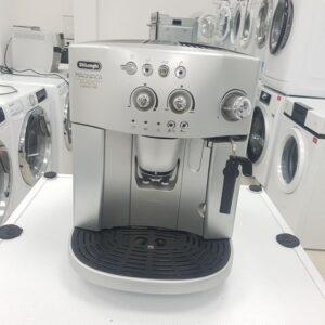 """Kafemat """"DeLonghi"""", Pravi : espresso , macchiato , cappuccino , caj , 15 bara, odlican, Uvoz ch"""